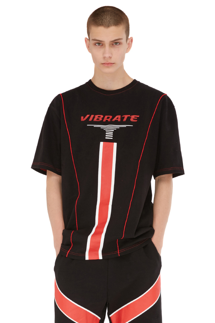 RED LINE STITCH T-SHIRT (BLACK)