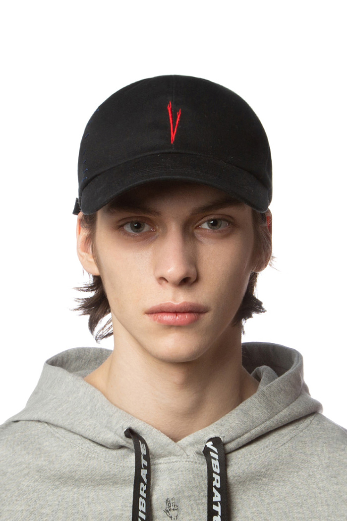 V STITCH BALL CAP (BLACK)