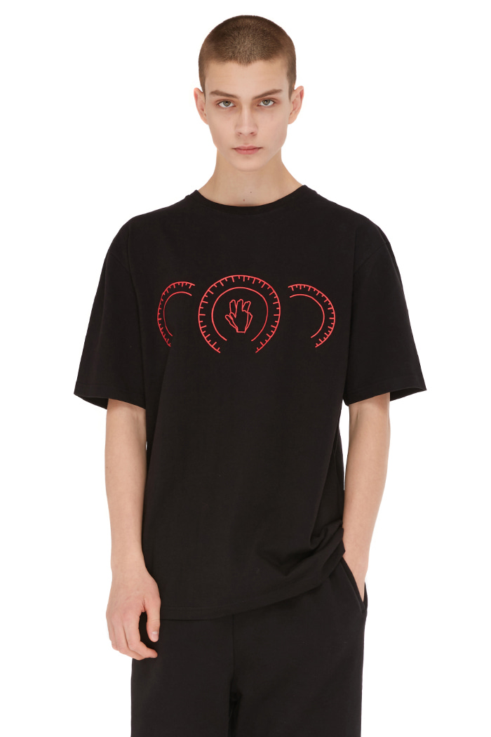 HAND SIGN TACHOMETER T-SHIRT (BLACK)