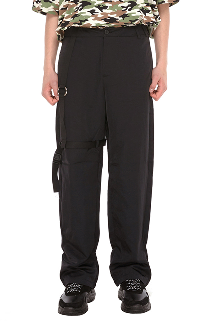BACKSIDE SYMBOL LOGO PANTS (BLACK)