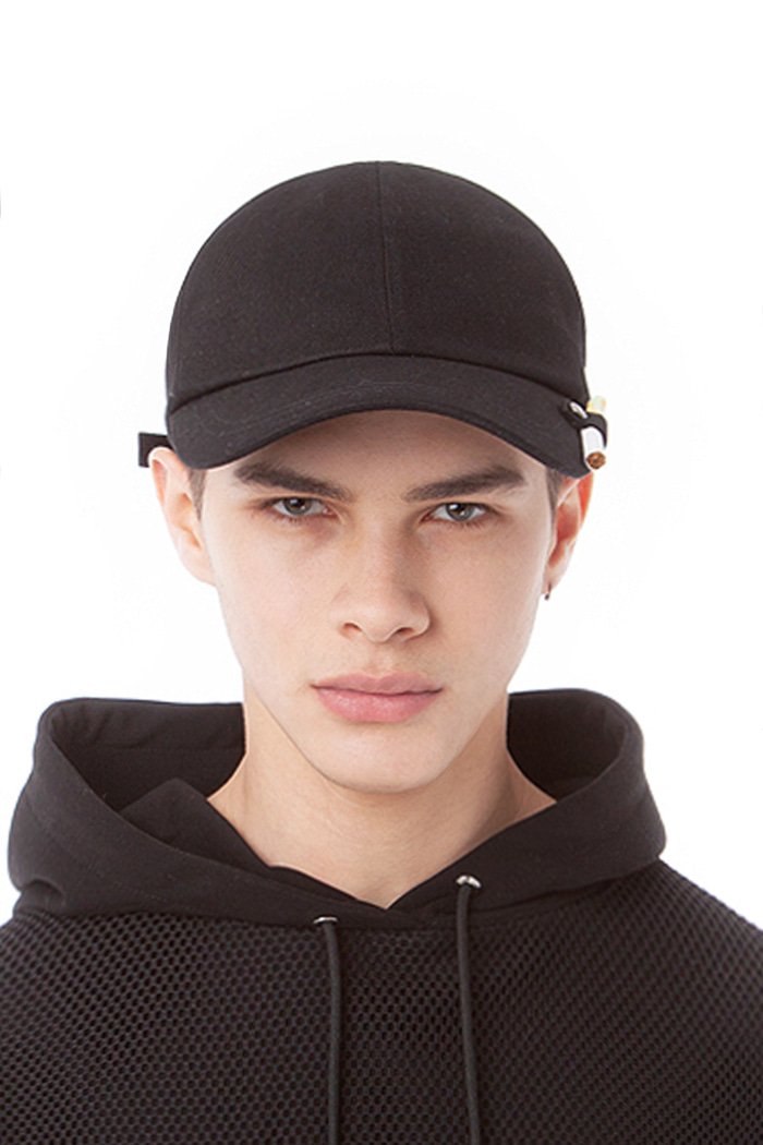 CIGARETTE HOLDER BALL CAP (BLACK)