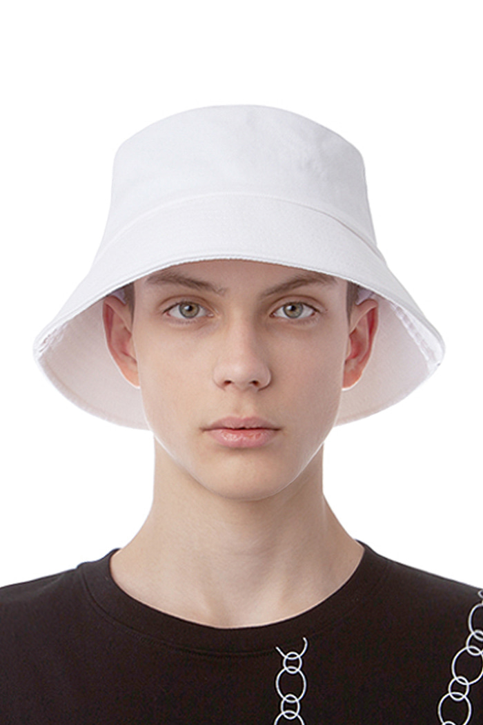 WEBBING TAIL BUCKET HAT (WHITE)