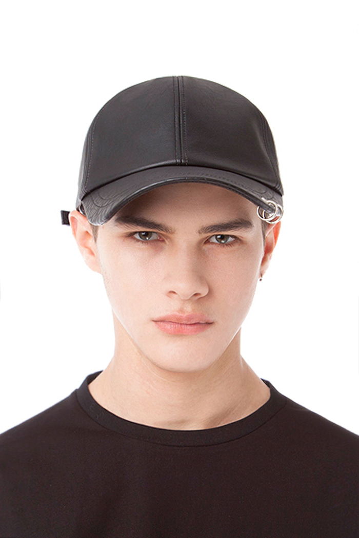 LEATHER SCULPTURE POINT BALL CAP (BLACK)