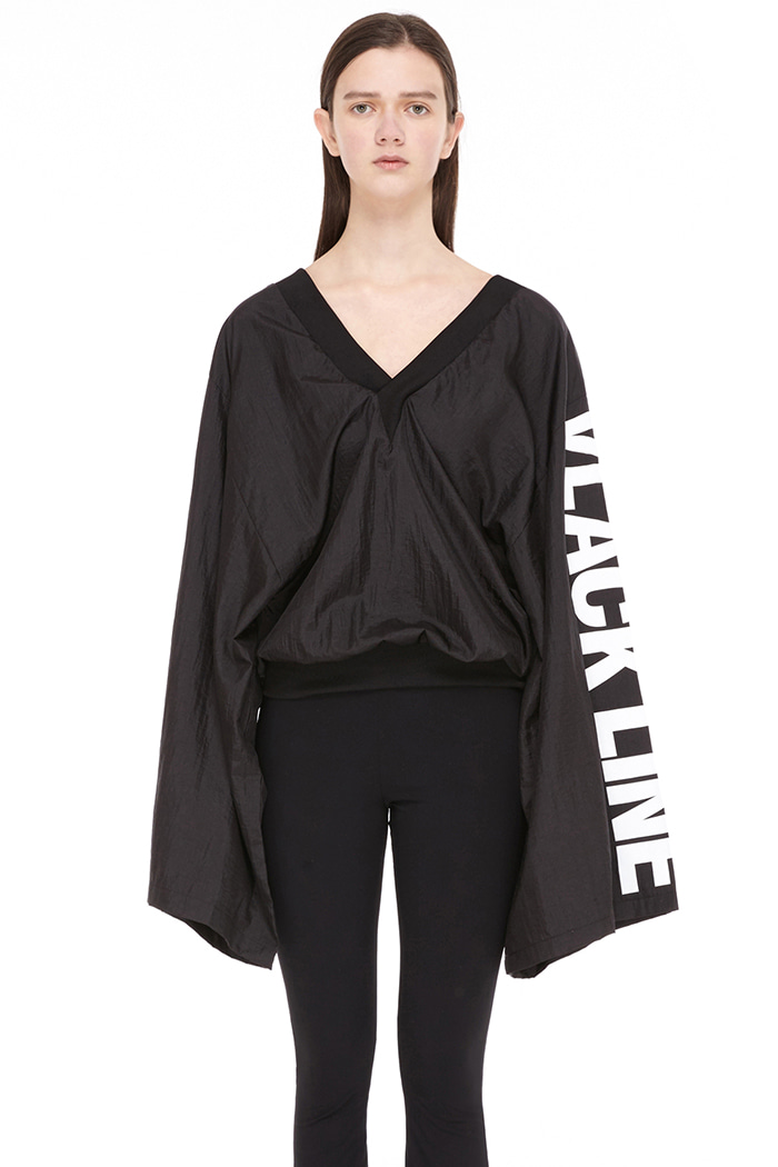 V NECK LOOSE FIT TOP (BLACK)