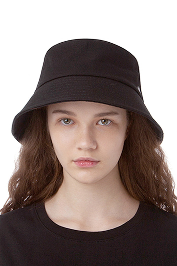 WEBBING TAIL BUCKET HAT (BLACK)