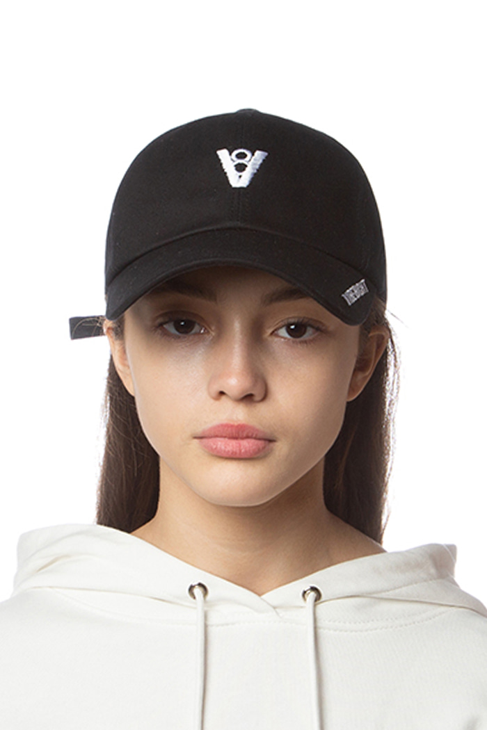 V8 SIDE LOGO BALL CAP (BLACK)