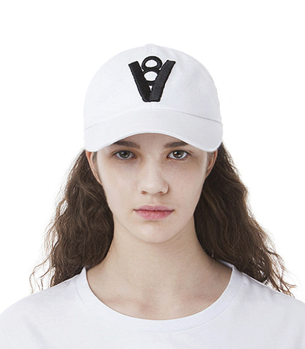 V8 - SIGNATURE BALL CAP (WHITE)